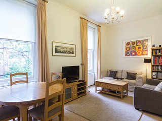 Great 2BR Flat in Kensington
