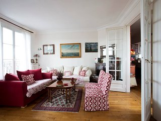 Spacious and luminous Appartement near La Defense