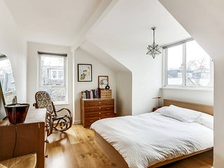Spacious 3 Bedroom Home in London w/Terrace