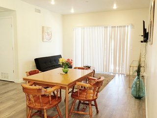 2 Bed/2 Bath Unit Near North Hollywood