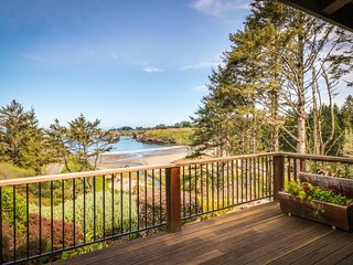 Waterfront home w/ private hot tub & secluded garden - minutes to beaches/towns!