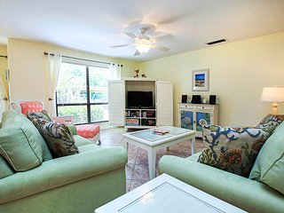 Beautiful beachy condo on quiet end of Sanibel Island, Florida