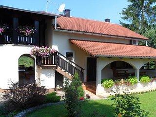 Ferienwohnung 4371-1 für 4 Pers. in Rakovica