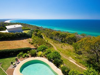 77 Cooloola Drive - Panoramic Ocean Views from Fraser Island to Double Island Po