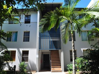 32/15 Rainbow Shores - Unit overlooking bushland with shared swimming pool, spa