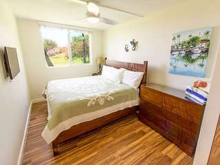 Keawakapu 208 Ocean View Two-Bedroom One Block From The Beach! New Listing!