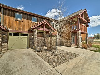 NEW-Pagosa Springs Townhome w/Pool & HotTub Access