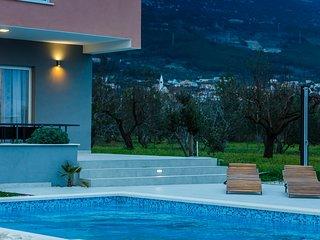 Villa Summer Joy 4* between Trogir and Split