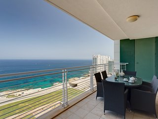 WATERFRONT LUXURY APT inc POOL, Sliema Upmarket Area