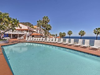 Catalina Luxury Villa w/Patio & Oceanfront Views!