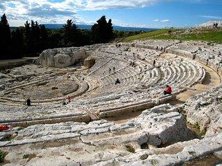 bivani vicino al Teatro greco