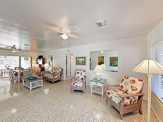 Charming Retreat w/ Guest Suite, Sunroom & Fenced Yard - Near Nokomis Beach
