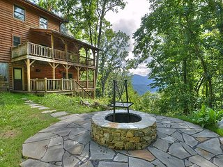 3 Bedroom 3+ Bath, Luxury Log Home w/Super Views, Private, Gas Fp, Fire Pit