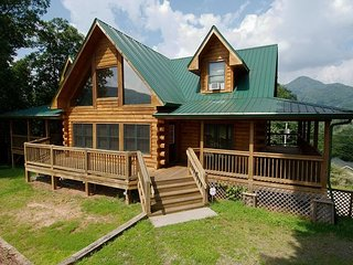 4 BR Log, Long Range and Pasture Views, Easy Access, Game Table, WIFI