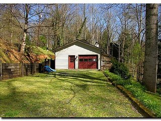 2 BR 2 1/2 BA Home, Pet Friendly, Secluded Property, Cycle & Trailer Friendly