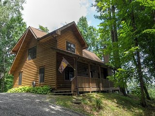 4 BED 3 BA  Log, Hot Tub, Game Room & AWESOME VIEWS: Newly PAVED ACCESS