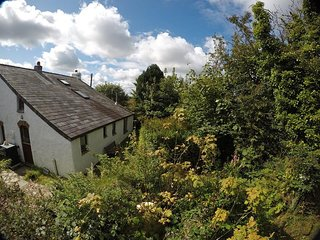 Trallwyn Cottage for 3 by magical stone-circle in Pembrokeshire National Park