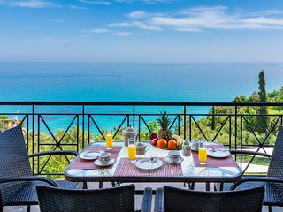 Xigia Residence, right on top of Xigia beach with sea views
