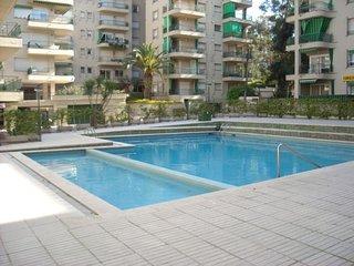 apartamento en el centro de Platja d'Aro con piscina