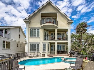 5 Roadrunner-Direct OCEANFRONT w/ Elevator, Pool & Spa.