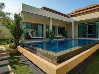 Villa Makole