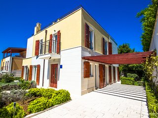 Private villa with sea view on island Brac, Adriatic Luxury Villas W73