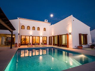 Large 5* villa in golf Resort !