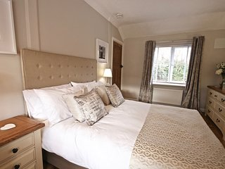 Norwich City - stylish comfort for up to 8 - free parking, garden, 3 bedrooms