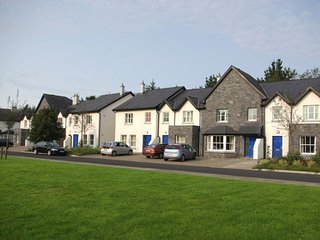 Bunratty West Holiday Homes, Bunratty, Co.Clare - 3 Bed - Sleeps 6