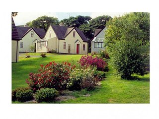 Clifden Cottages, Clifden, Co.Galway - 3 Bed - Sleeps 5