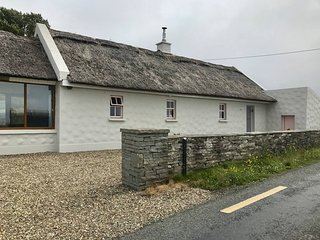 Storytellers Cottage, Lough North,  Doolin, County Clare - 2 Bedroom Sleeps 4