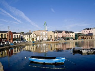 Wexford Town Opera Mews- 2 Bed Apartment - Sleeps 4 - Wexford Town Self Catering