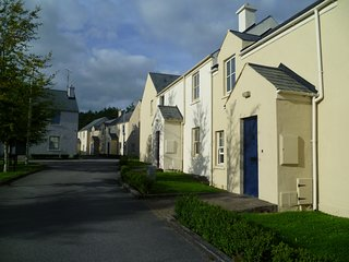 Bunratty Castle Garden, Bunratty, Co.Clare - 3 Bed - Sleeps 6