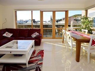 Clifden Town Apartment, Clifden, Connemara, Co. Galway (Relax144)- 4 Bedrooms Sl