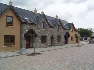 Pairc na Gloine,  Kenmare, Co. Kerry