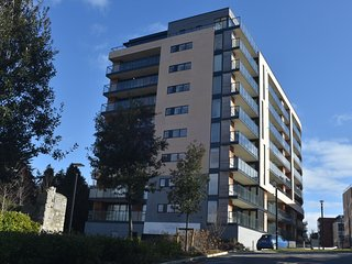 Grange Apartment, Ground Floor, Blackrock, Co. Dublin - 2 Bedrooms sleeps 4