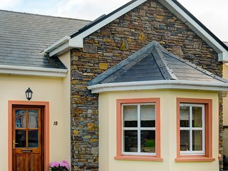 Dingle Ard na Mara House 18, Dingle, Co.Kerry - 4 Bed - Sleeps 8 - Dingle Ard Na