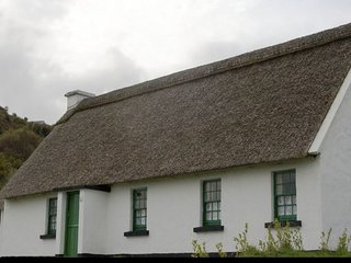 Corofin Lake Cottages Type B, Corofin, Co.Clare - 3 Bed - Sleeps 6