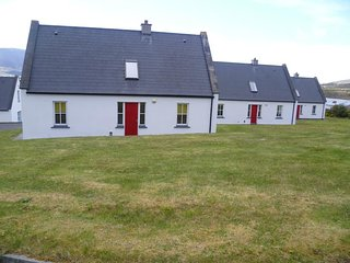 Baile Slievemore,Keel,Achill Island, Co.Mayo  3 Bed - Sleeps 5