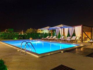 HiEnd Beach Villa * St John's Area-4bdr + Pool