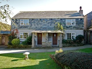 GAMEKEEPER'S - Two-Bedroom Stone Cornish Cottage: Sleeps 4+1