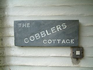 COBBLER'S - Two-Bedroom Stone Cornish Cottage: Sleeps 4+1