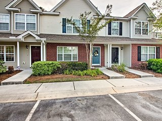 NEW! Townhome w/ Pool Mins from Downtown Savannah!