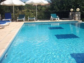 Single storey Villa with its own pool and garden