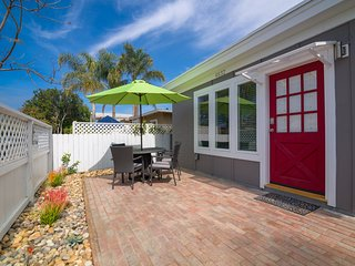 Private Red Door House Ocean Beach 2BR, 2BA, garage parking, A/C, W/D, grill