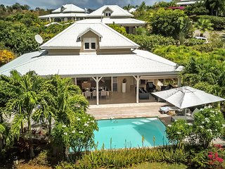 Villa de luxe en martinique, face a la mer et piscine privee