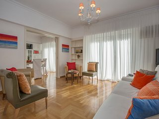 Vintage design apartment in the center of the city