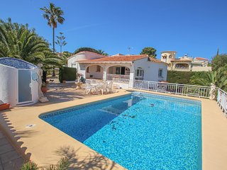 Ula - pretty holiday property with private pool in Benissa