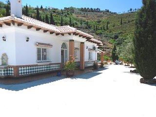 1051 Villa Al-Andalus