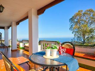 Villa con piscina y vistas al mar! Ref. 235338